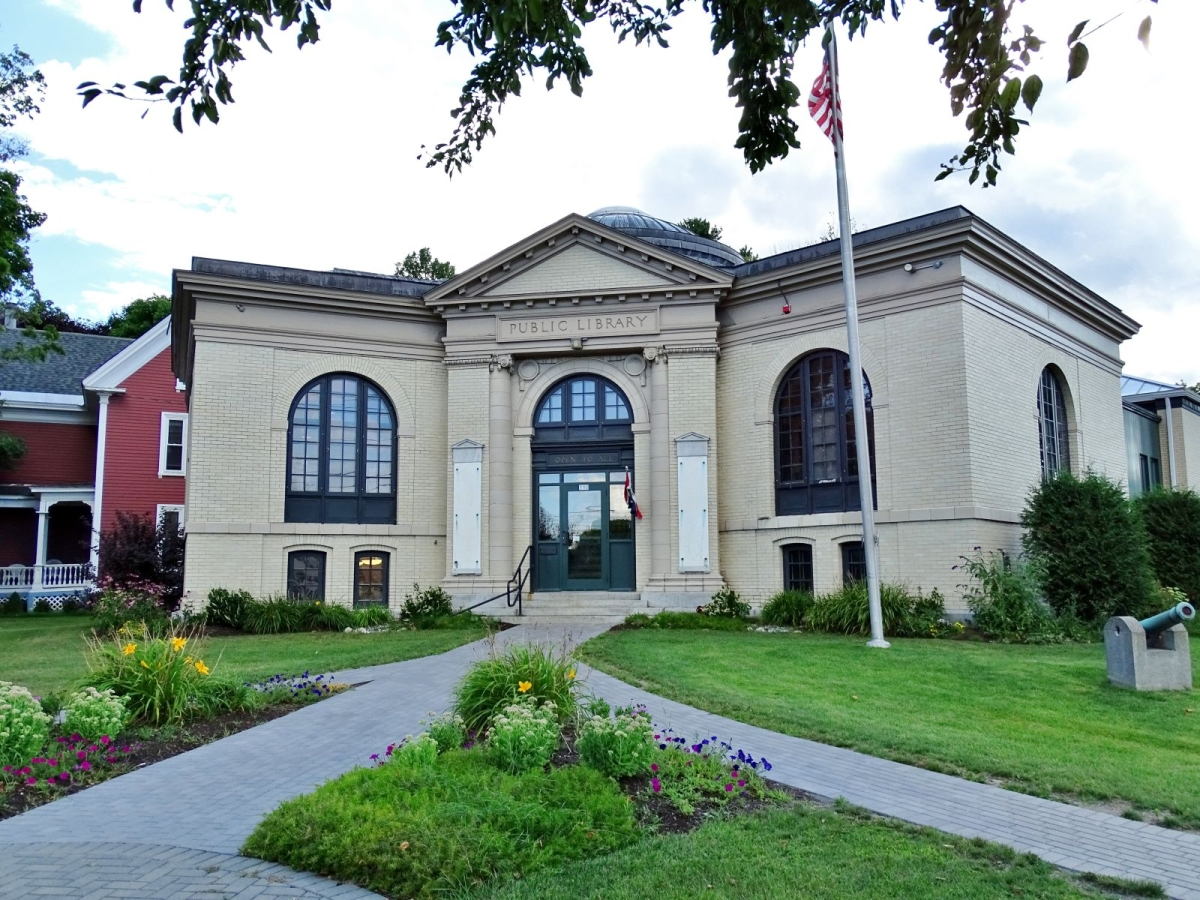Library in Pittsfield, Maine